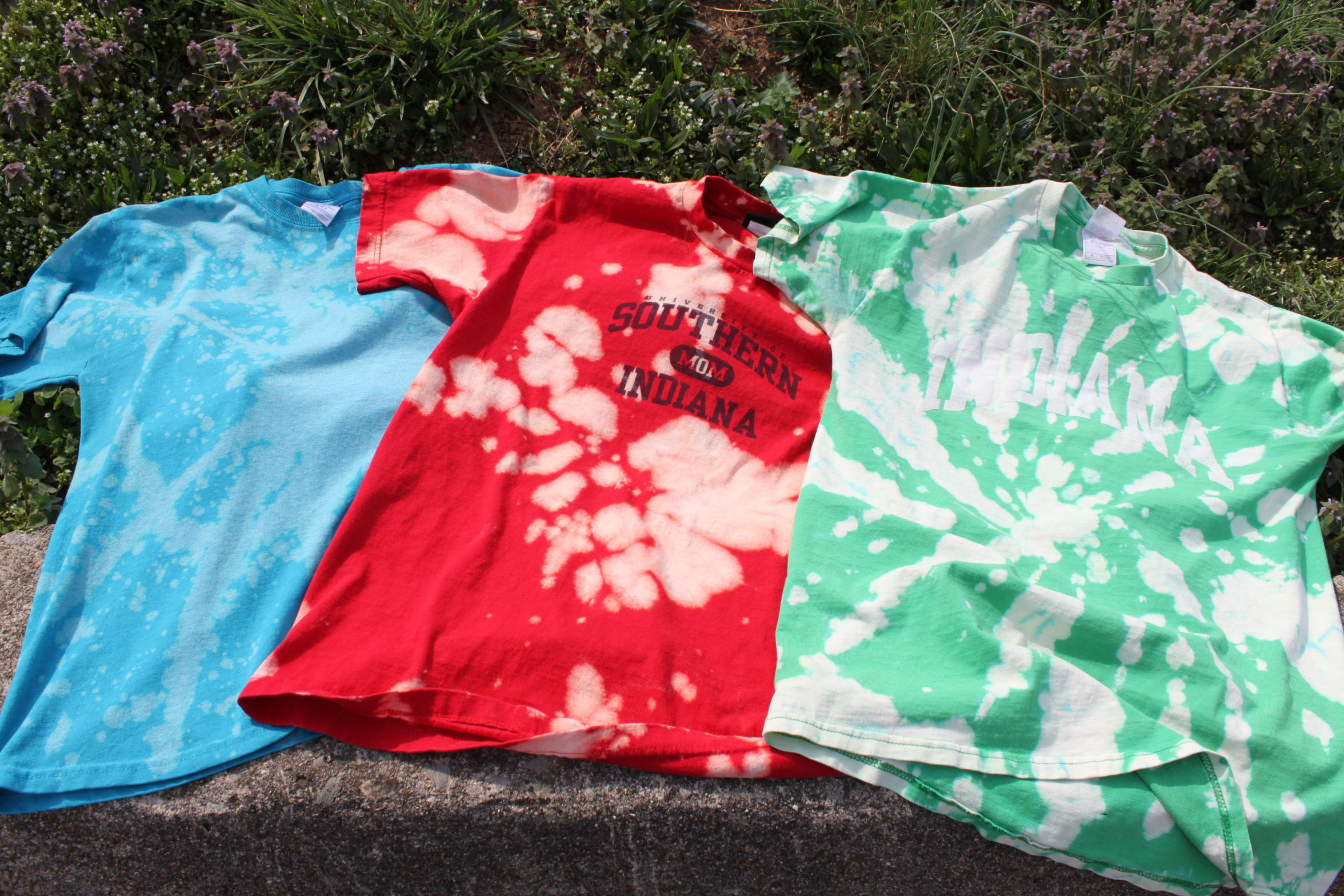 Tie dye with bleach girl gone hippie for How to bleach dye a shirt